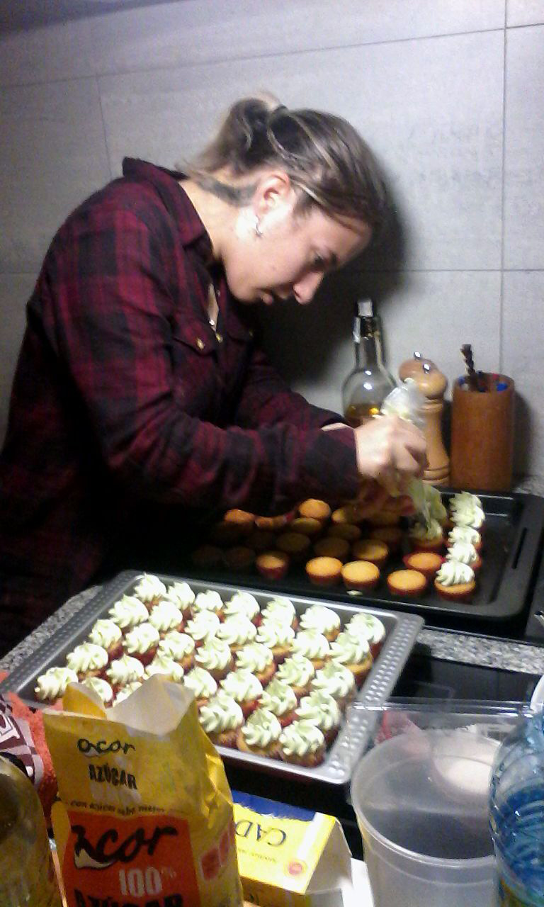 201501 Buffet Making Cake Canic
